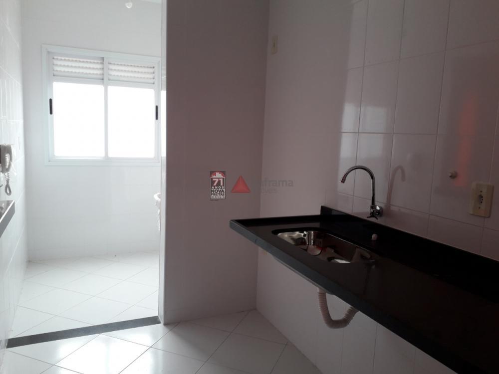 Alugar Apartamento / Padrão em Pindamonhangaba apenas R$ 1.100,00 - Foto 8