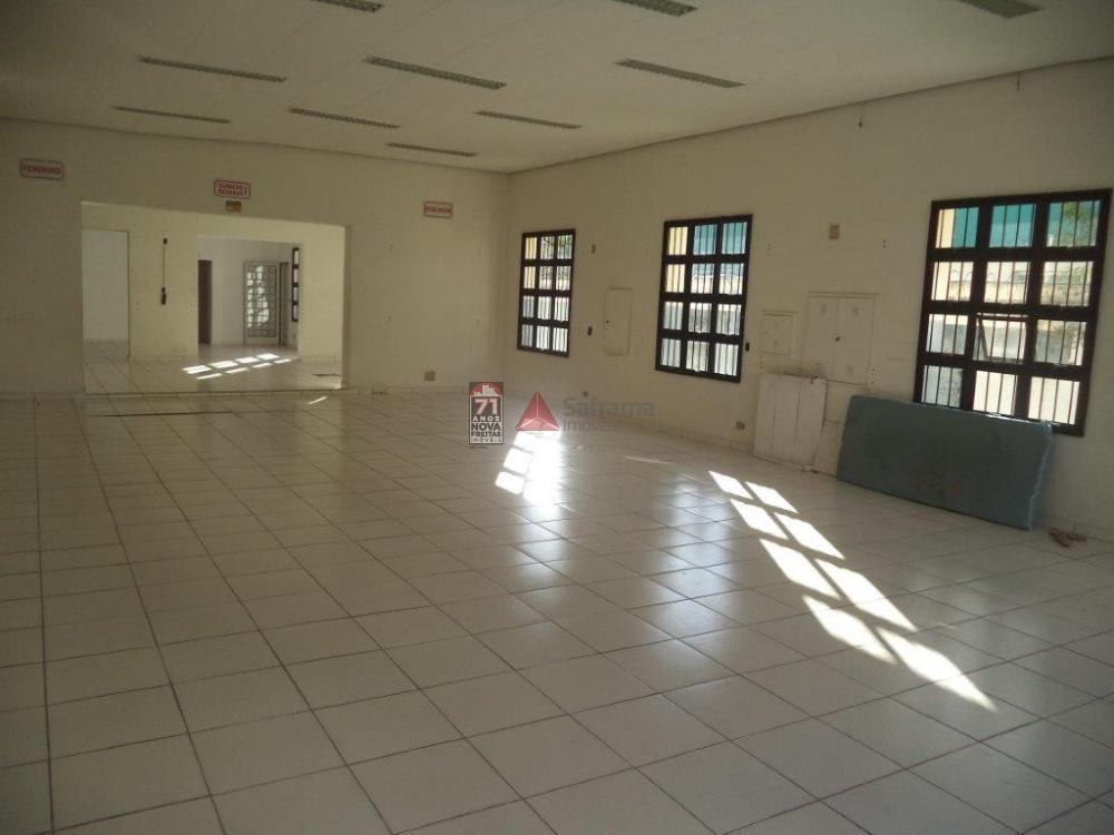 Alugar Comercial / Salão em Pindamonhangaba apenas R$ 5.200,00 - Foto 1