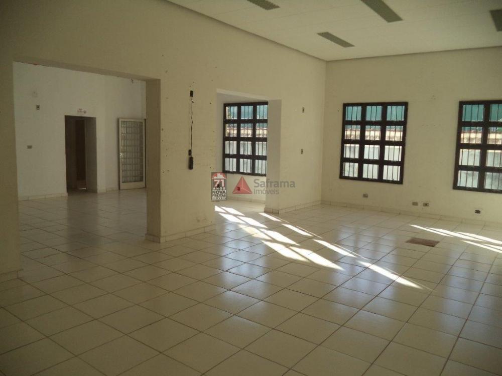 Alugar Comercial / Salão em Pindamonhangaba apenas R$ 5.200,00 - Foto 3