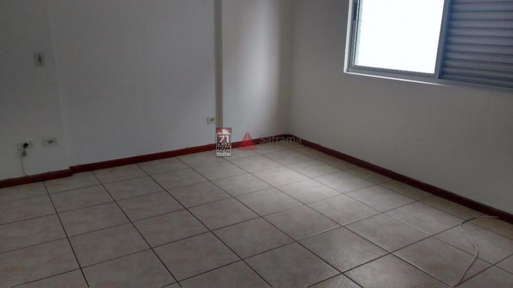 Alugar Apartamento / Padrão em Caraguatatuba R$ 2.000,00 - Foto 2