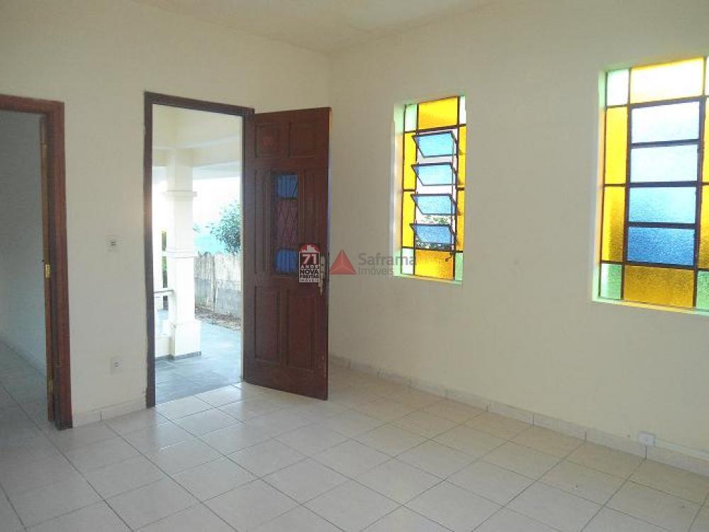 Comprar Casa / Padrão em Pindamonhangaba apenas R$ 450.000,00 - Foto 2