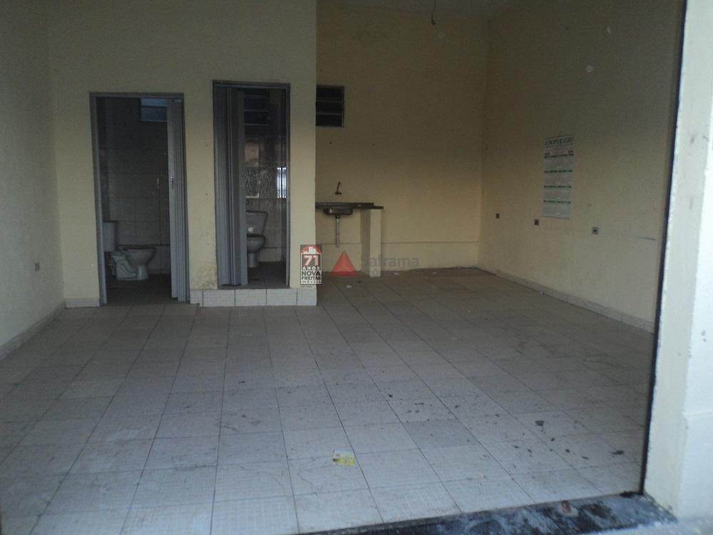 Alugar Comercial / Ponto Comercial em Pindamonhangaba apenas R$ 600,00 - Foto 2