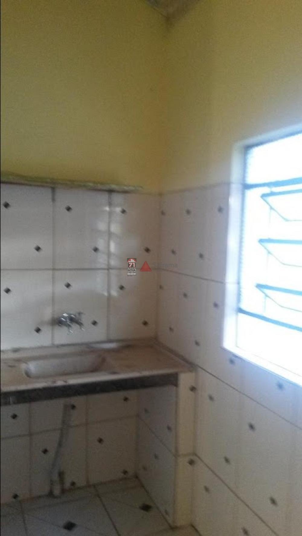 Alugar Casa / Padrão em São José dos Campos apenas R$ 700,00 - Foto 6