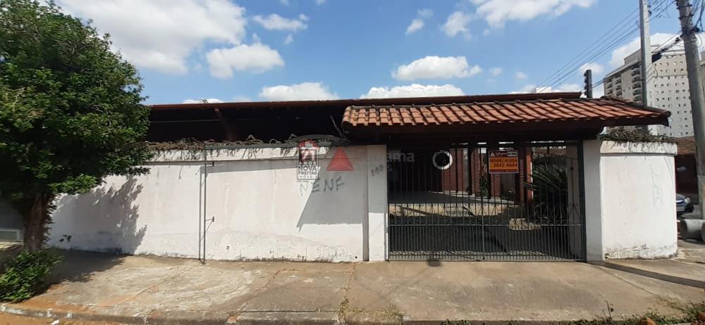 Alugar Casa / Padrão em Pindamonhangaba apenas R$ 1.700,00 - Foto 1
