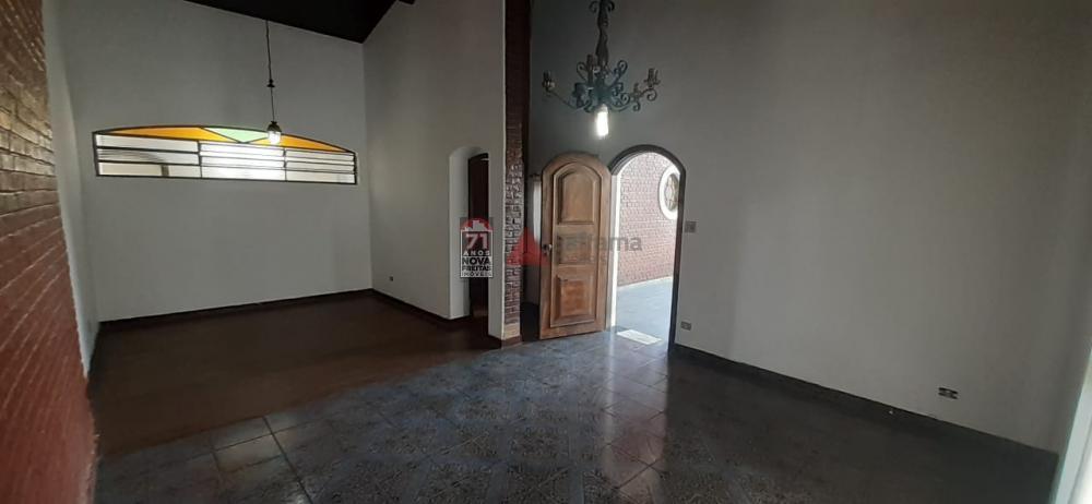 Alugar Casa / Padrão em Pindamonhangaba apenas R$ 1.700,00 - Foto 3