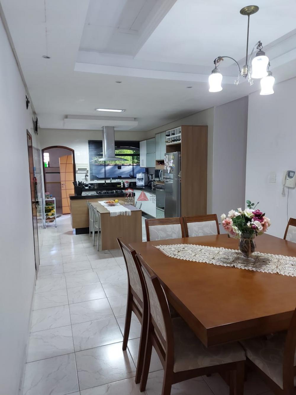 Comprar Casa / Padrão em Pindamonhangaba R$ 900.000,00 - Foto 4