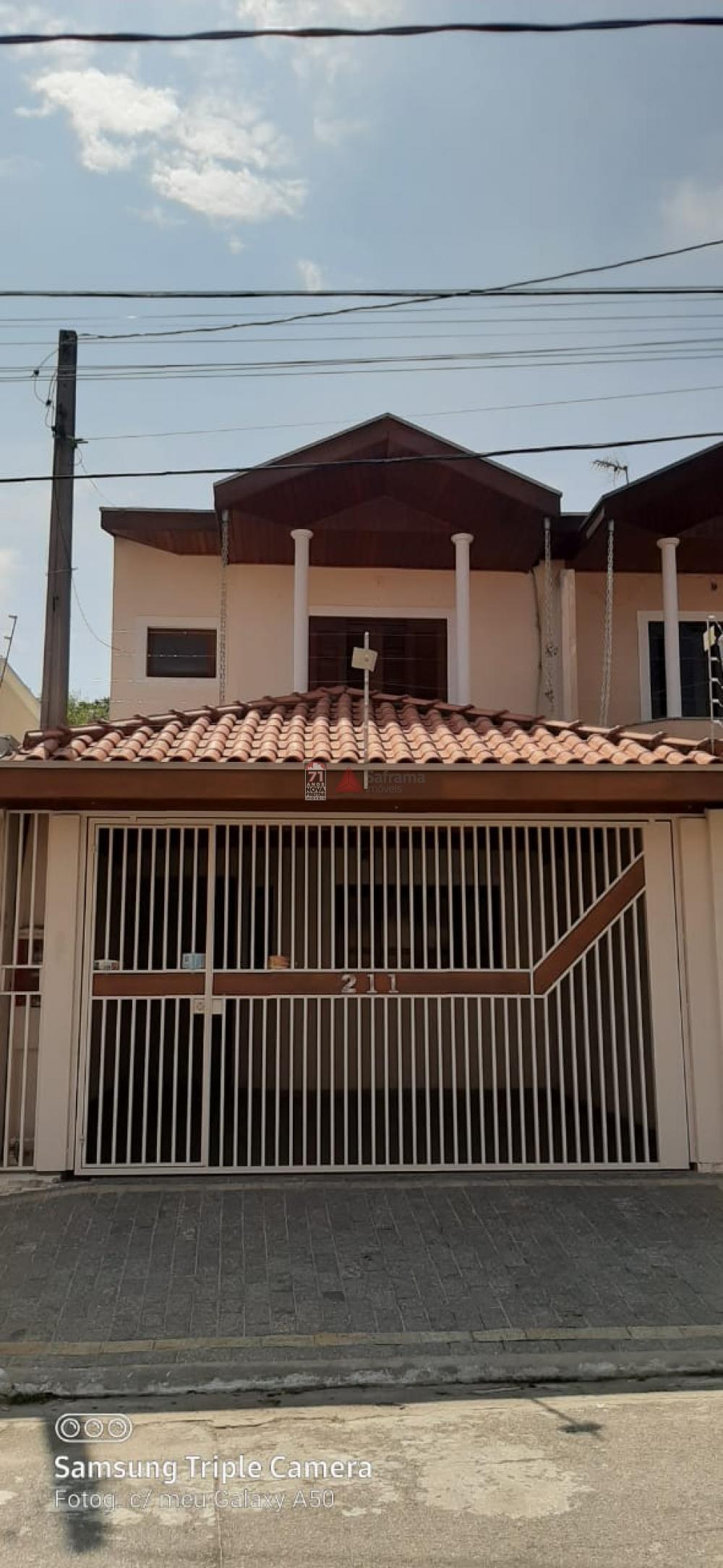 Casa / Padrão em São José dos Campos Alugar por R$2.200,00