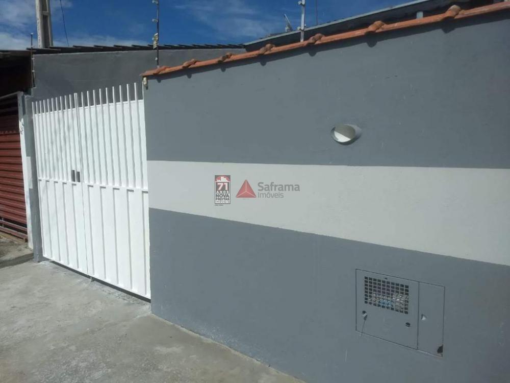 Alugar Casa / Padrão em Pindamonhangaba R$ 700,00 - Foto 1