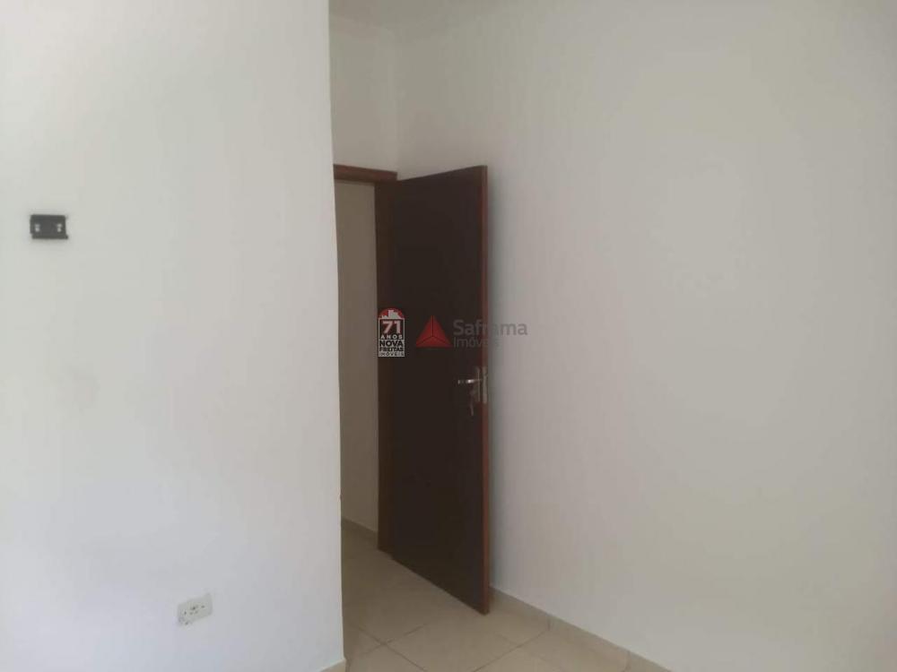 Alugar Casa / Padrão em Pindamonhangaba R$ 700,00 - Foto 8