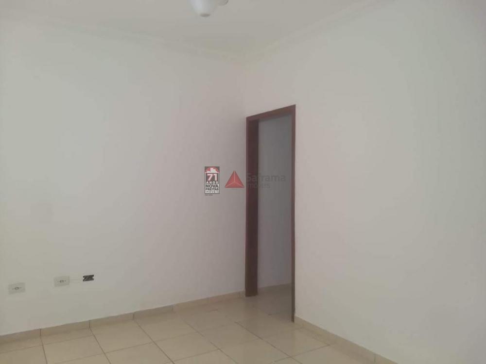 Alugar Casa / Padrão em Pindamonhangaba R$ 700,00 - Foto 9