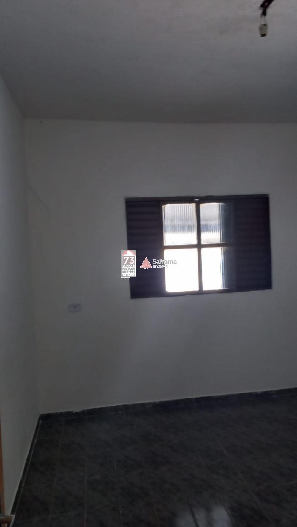 Alugar Casa / Padrão em São José dos Campos R$ 900,00 - Foto 2