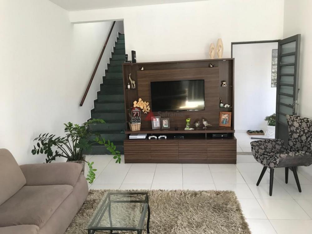 Comprar Casa / Sobrado em Pindamonhangaba R$ 290.000,00 - Foto 2