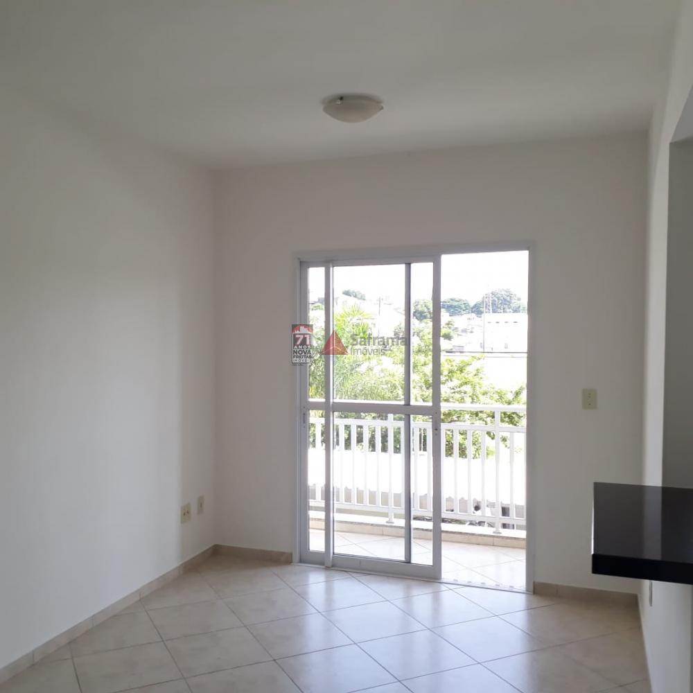 Alugar Apartamento / Padrão em Caçapava R$ 1.090,00 - Foto 1