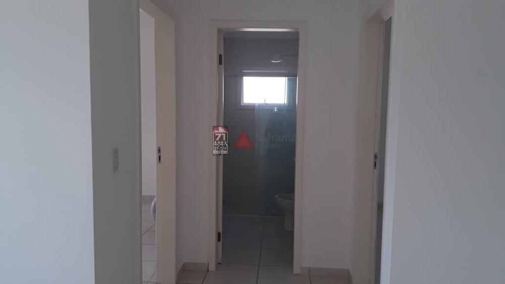 Alugar Apartamento / Padrão em Pindamonhangaba R$ 750,00 - Foto 5