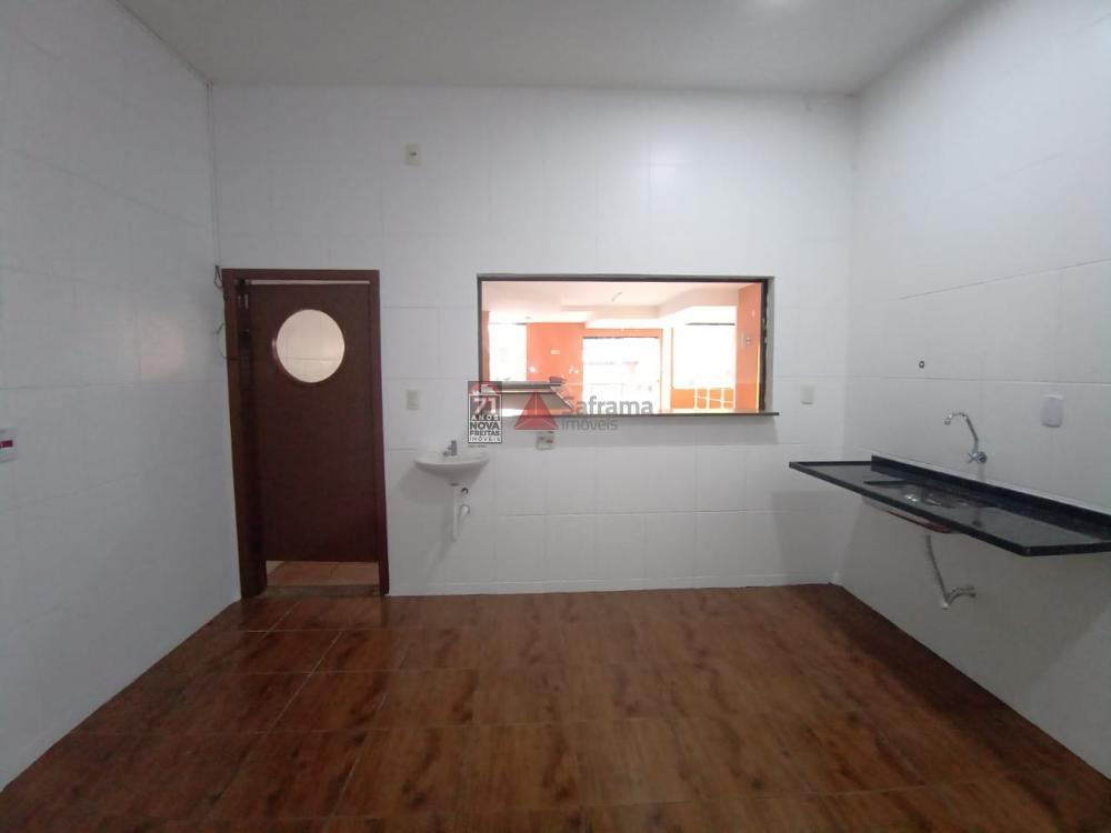 Alugar Comercial / Loja em Pindamonhangaba R$ 5.500,00 - Foto 19