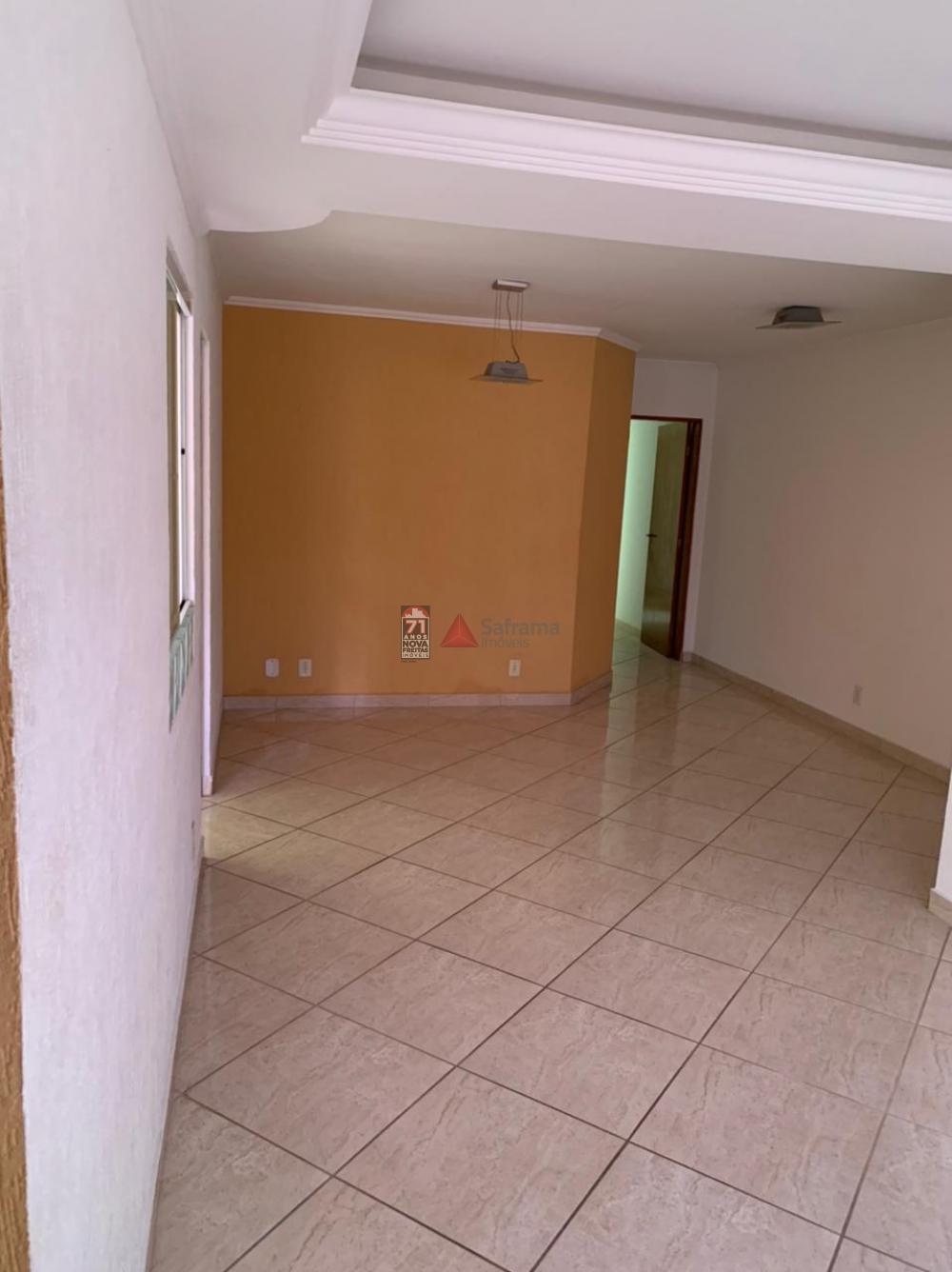 Apartamento / Padrão em Pindamonhangaba , Comprar por R$260.000,00