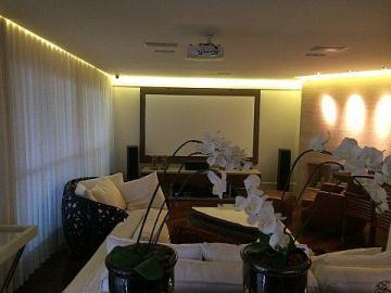 Alugar Apartamento / Padrão em São José dos Campos. apenas R$ 10.000,00