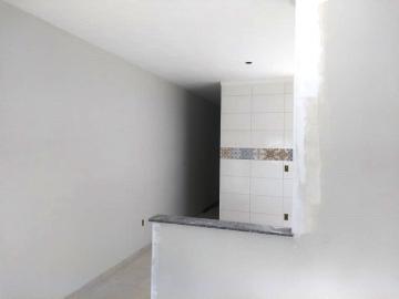 Alugar Casa / Padrão em Pindamonhangaba. apenas R$ 170.000,00