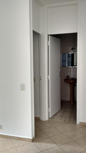 Alugar Apartamento / Padrão em São José dos Campos. apenas R$ 185.000,00
