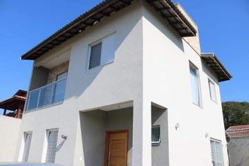 Alugar Casa / Sobrado em Pindamonhangaba. apenas R$ 395.000,00