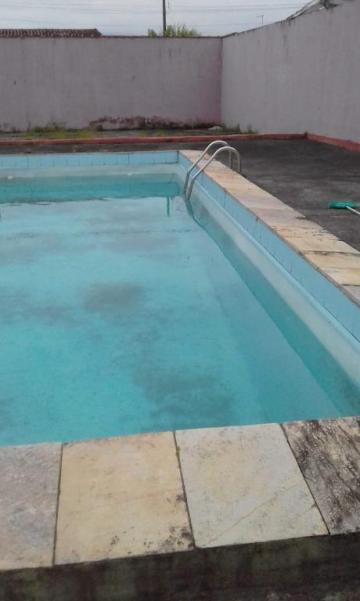 Alugar Casa / Padrão em Caraguatatuba. apenas R$ 300.000,00