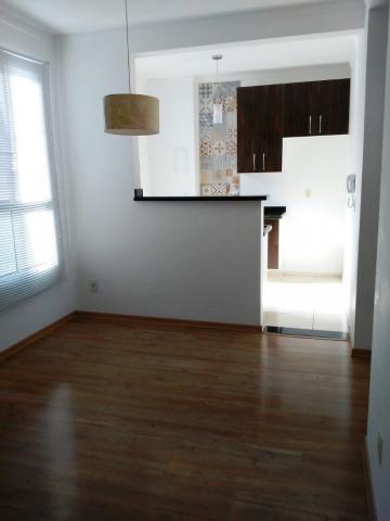 Alugar Apartamento / Padrão em Pindamonhangaba. apenas R$ 790,00