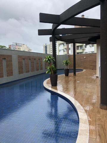 Alugar Apartamento / Padrão em Joinville. apenas R$ 650.000,00