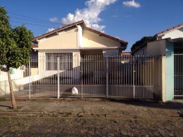 Casa / Padrão em São José dos Campos Alugar por R$2.000,00