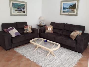 Alugar Apartamento / Padrão em Ubatuba. apenas R$ 450.000,00