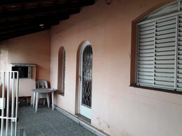 Casa / Padrão em Pindamonhangaba Alugar por R$1.000,00