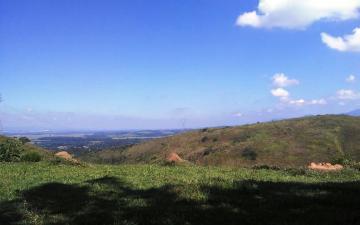 Alugar Terreno / Área em Pindamonhangaba. apenas R$ 450.000,00