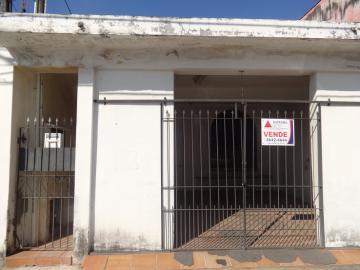 Alugar Casa / Padrão em Pindamonhangaba. apenas R$ 300.000,00
