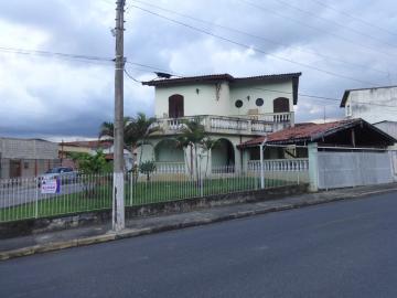 Pindamonhangaba Quadra Coberta Casa Locacao R$ 3.500,00 4 Dormitorios 2 Vagas Area do terreno 348.00m2 Area construida 273.00m2