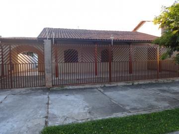 Alugar Casa / Padrão em Pindamonhangaba. apenas R$ 670.000,00