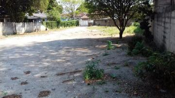 Alugar Terreno / Padrão em Pindamonhangaba. apenas R$ 320.000,00
