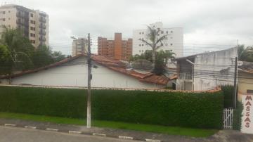 Alugar Casa / Padrão em Caraguatatuba. apenas R$ 690.000,00