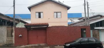 Alugar Casa / Sobrado em Pindamonhangaba. apenas R$ 340.000,00