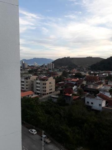 Apartamento / Padrão em Caraguatatuba Alugar por R$1.300,00