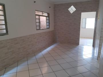 Casa / Padrão em Pindamonhangaba Alugar por R$850,00
