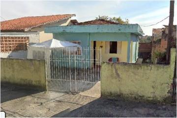 Alugar Casa / Padrão em São José dos Campos. apenas R$ 811,26