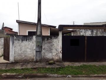 Alugar Casa / Padrão em Caraguatatuba. apenas R$ 260.000,00