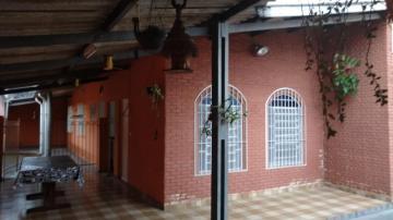 Casa / Padrão em Caraguatatuba Alugar por R$1.700,00