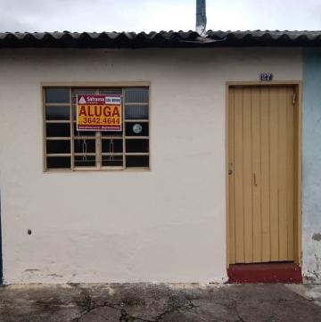 Casa / Padrão em Pindamonhangaba Alugar por R$350,00