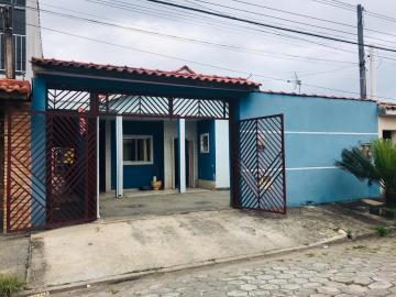 Casa / Padrão em Caraguatatuba Alugar por R$2.500,00