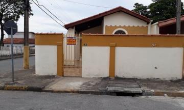 Casa / Padrão em Pindamonhangaba Alugar por R$900,00