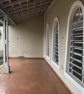 Alugar Casa / Padrão em Caraguatatuba. apenas R$ 400.000,00