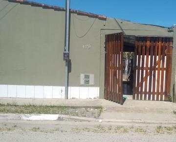 Alugar Casa / Padrão em Caraguatatuba. apenas R$ 150.000,00