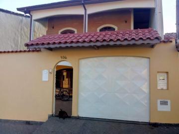 Alugar Casa / Sobrado em Jacareí. apenas R$ 405.000,00
