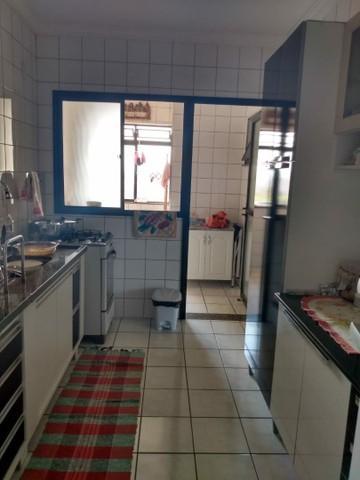 Comprar Apartamento / Padrão em São José dos Campos R$ 375.000,00 - Foto 2