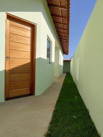 Alugar Casa / Padrão em Caraguatatuba. apenas R$ 345.000,00